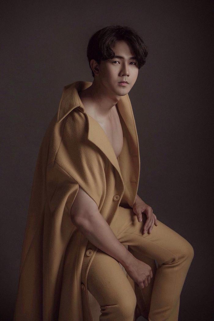 Lợi thế gương mặt điển trai, thể hình chuẩn giúp Nguyễn Luân gặp nhiều thuận lợi trên con đường trở thành diễn viên, người mẫu trong tương lai.
