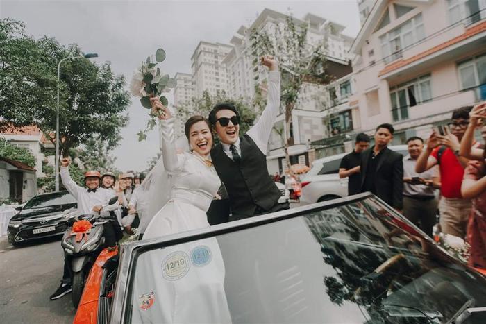 Tấu hài cực mạnh với màn chế ảnh hài hước khoảnh khắc trong đám cưới Đông Nhi  Ông Cao Thắng ảnh 9