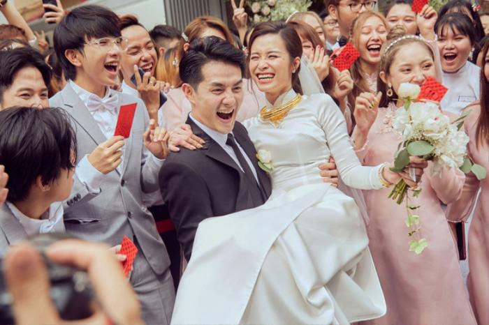 Đám cưới của Ông Cao Thắng và Đông Nhi diễn ra trong sự chúc phúc của đông đảo bạn bè và người hâm mộ