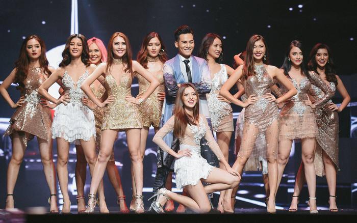Khánh Linh (bìa trái) dừng chân ở Top 11 Gương mặt thương hiệu 2017.