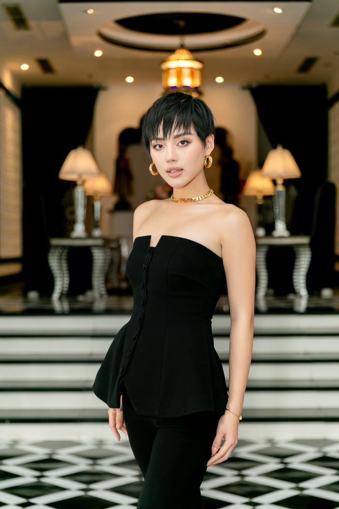Vlogger Cô em Trendy - Khánh Linh trở thành 1 trong 3 mentor.