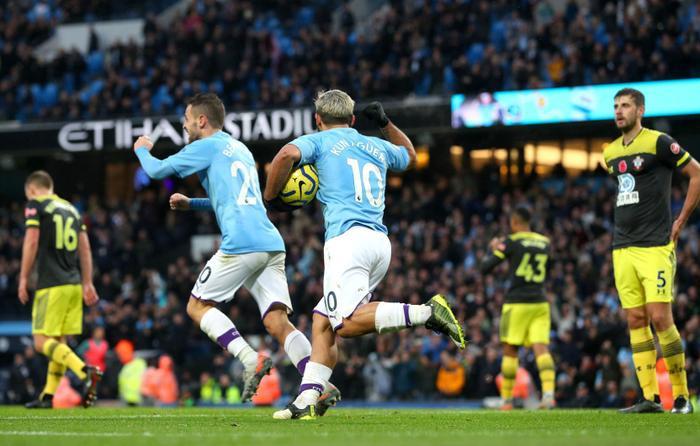 Man City cần níu kéo hy vọng cạnh tranh vô địch với Liverpool bằng một chiến thắng.