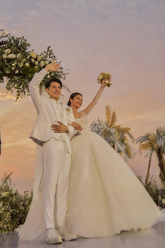 Làm MC trong 2 đám cưới khủng, Trấn Thành gây xúc động với những phát ngôn cực chất về tình yêu ảnh 2