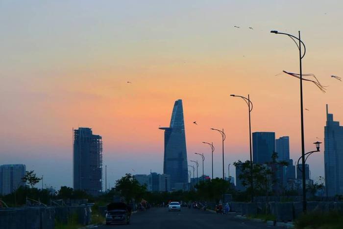 Sài Gòn vào đông: Bước chuyển mùa âm thầm và nhẹ nhàng chẳng ai hay biết ảnh 0
