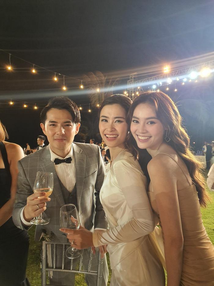 Ninh Dương Lan Ngọc tại đám cưới của Đông Nhi và Ông Cao Thắng.