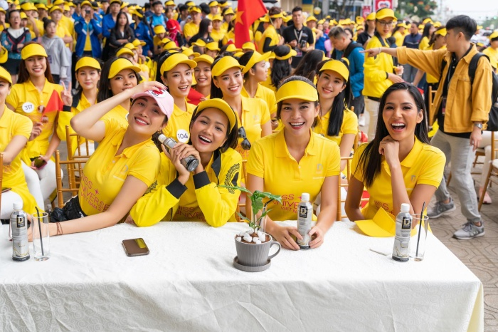 Tái ngộ HHen Niê, Lệ Hằng  Mâu Thủy tranh nhau làm Hoàng Thùy để được thi Miss Universe 2019? ảnh 6