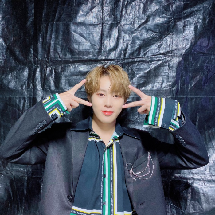 Sungwoon sẽ tổ chức fan party dịp Giáng sinh.
