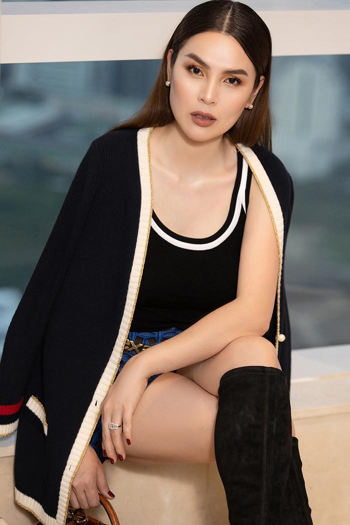 Hoa hậu Phương Lê khoe khéo eo thon, cằm Vline sau khi giảm cân thành công ảnh 2