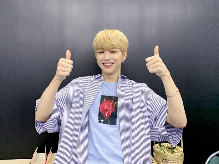 Kang Daniel tung thính sản phẩm solo mới khiến fan thích thú.