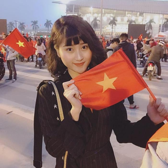 Trước đó, Thuỳ Dương từng xuất hiện trong ngày tuyển Việt Nam thắng lợi. Biết đâu đó, nếu đến sân Mỹ Đình cổ vũ, nàng WAGs sẽ đem đến may mắn cho bạn trai.