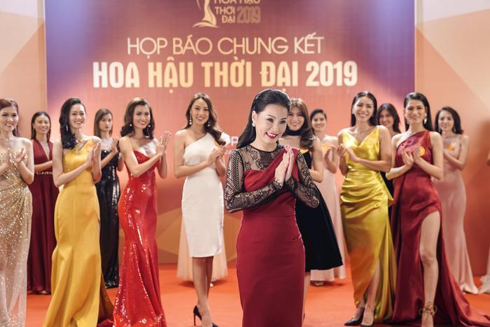 Hoa Hậu Giang Hồ ghi điểm mạnh mẽ nhờ màn đá xéo các cuộc thi hoa hậu kém chất lượng.