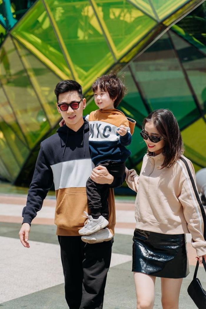 Sự ra đời của bé Đậu khiến vợ chồng Ba Duy trở thành một trong ba gia đình bỉm sữa nổi tiếng nhất mạng xã hội cùng với Kiên Hoàng - Heo Mi Nhon và Trang Lou - Tùng Sơn.