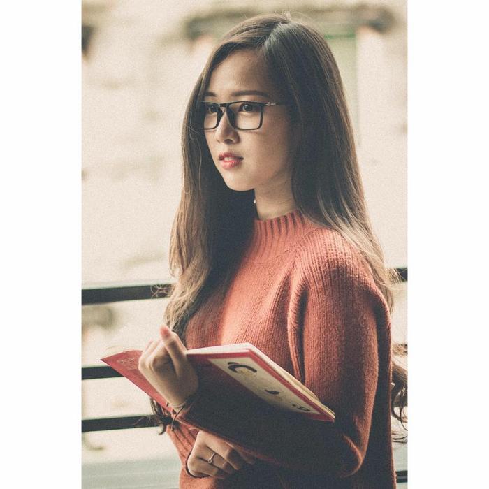 Chia sẻ thêm đôi chút về những dự định trong tương lai, Kim Nguyên cho biết cô sẽ nỗ lực hết sức để hoàn thành tốt khóa học tại trường. Và sẽ theo đuổi con đường nghệ thuật cũng như công việc kinh doanh online mà cô yêu mến.