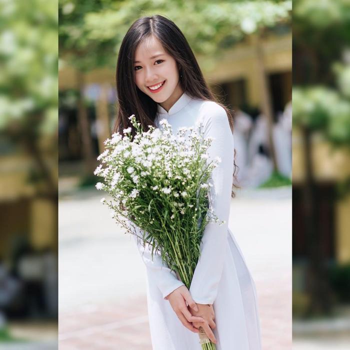 """Nữ sinh Đà Nẵng cho biết đây không phải lần đầu tiên cô trở nên """"nổi tiếng"""", nhưng vẫn không khỏi bất ngờ và cảm thấy vui mừng vì được nhiều người bạn yêu quý."""