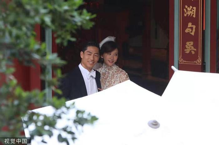 Lâm Chí Linh diện váy cưới xinh đẹp, ngọt ngào khoác tay ông xã tập dợt hôn lễ ảnh 7
