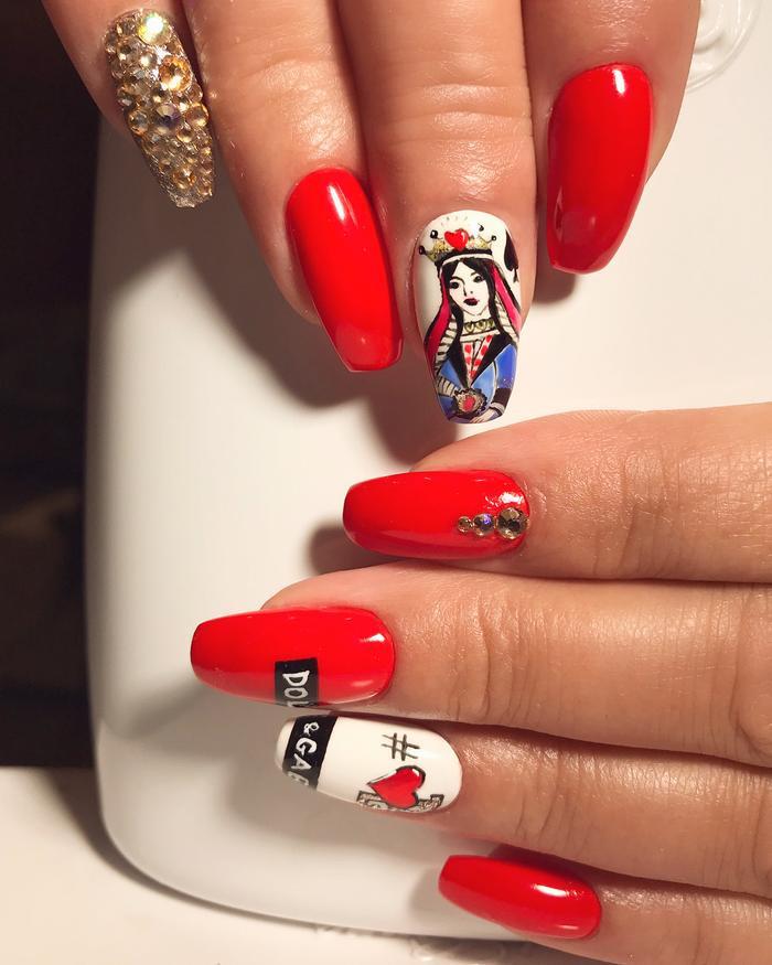 Chất phát ngất trend vẽ nail lấy cảm hứng từ logo các nhà mốt xa xỉ Gucci, Chanel, LV ảnh 10