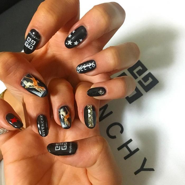 Chất phát ngất trend vẽ nail lấy cảm hứng từ logo các nhà mốt xa xỉ Gucci, Chanel, LV ảnh 14