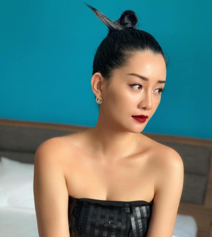 Nhìn những hình ảnh này, ai mà tin được Quỳnh Chi đã 33 tuổi rồi cơ chứ.