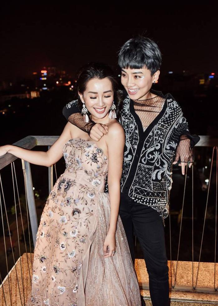 """Trước tin đồn """"đường ai nấy đi"""", Quỳnh Chi và Thùy Dung đã có 5 năm gắn bó bên nhau."""