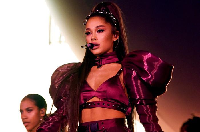 Huỷ show 1 lần là lỗi của Ariana, nhưng huỷ show vạn lần thì chắc do lỗi của… bác sĩ?