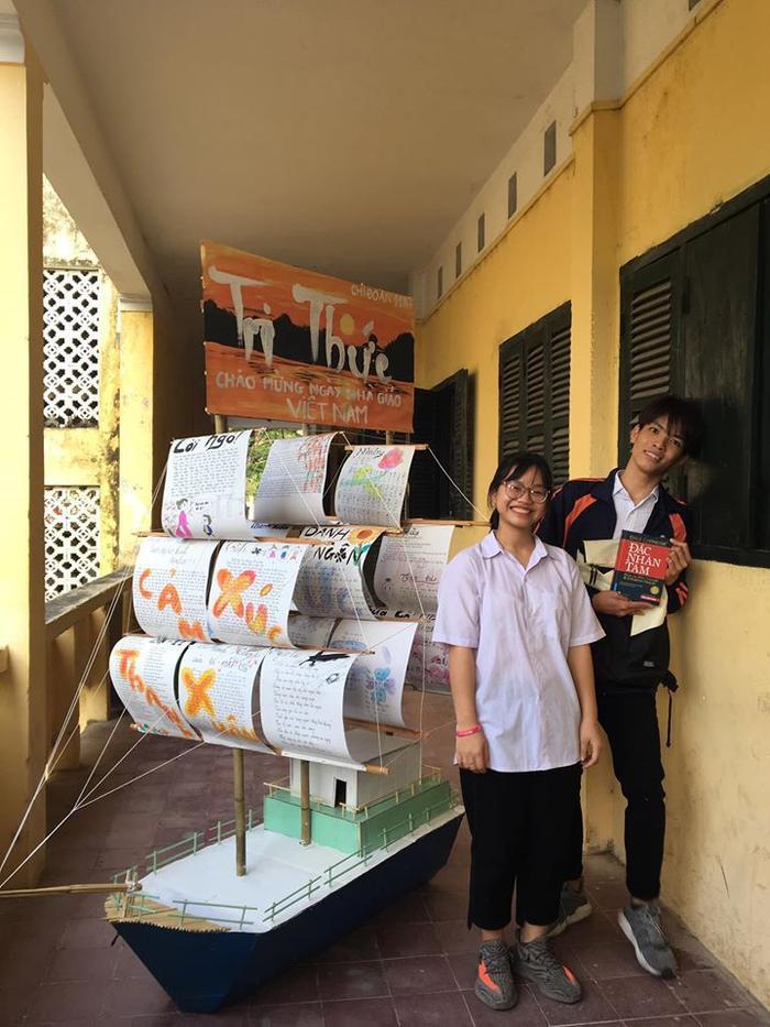Báo tường mô hình chiếc thuyền 3D đến từ các bạn học sinh lớp 11A7, trường THPT Đan Phượng, Hà Nội. Ảnh: Minh Anh