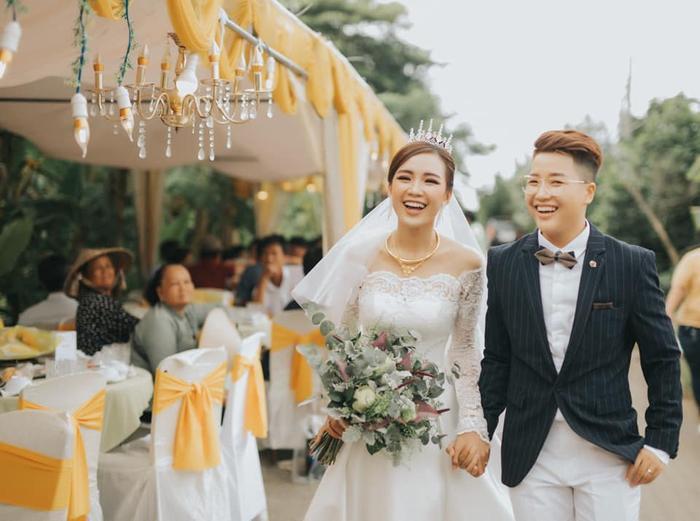 Tú Tri và YunBin hạnh phúc trong ngày cưới