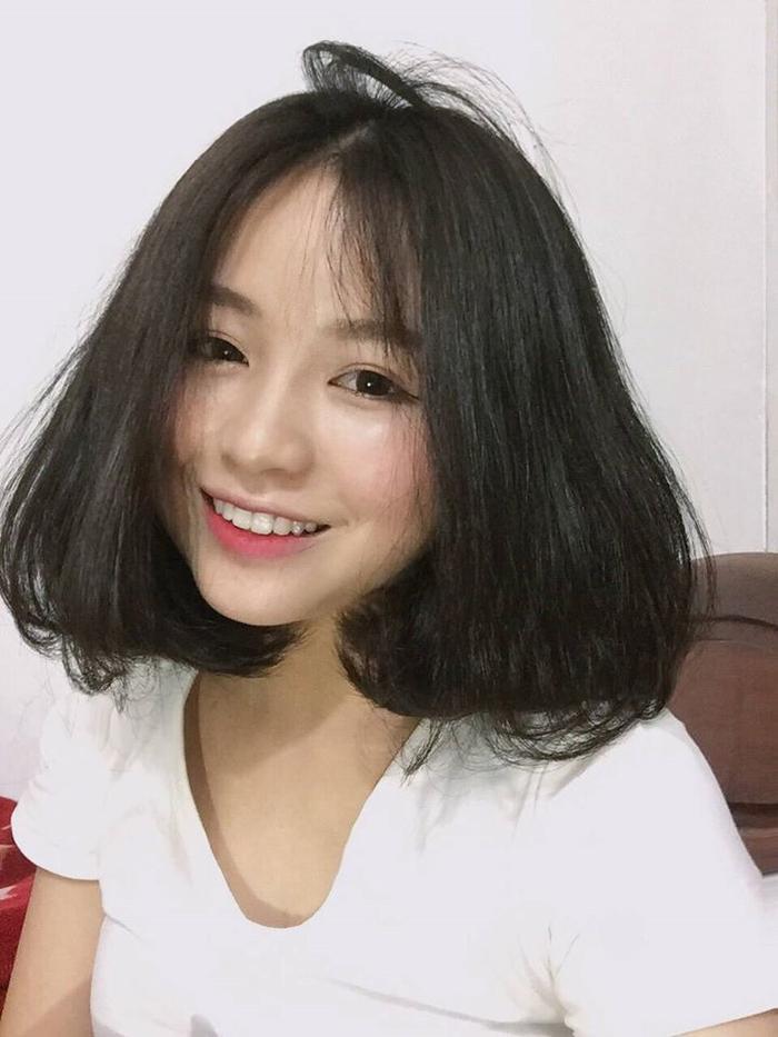 Trong khi đó, kể từ khi chia tay Nhật Lê, Quang Hải liên tục vướng tin đòn hẹn hò với một loạt hotgirl.