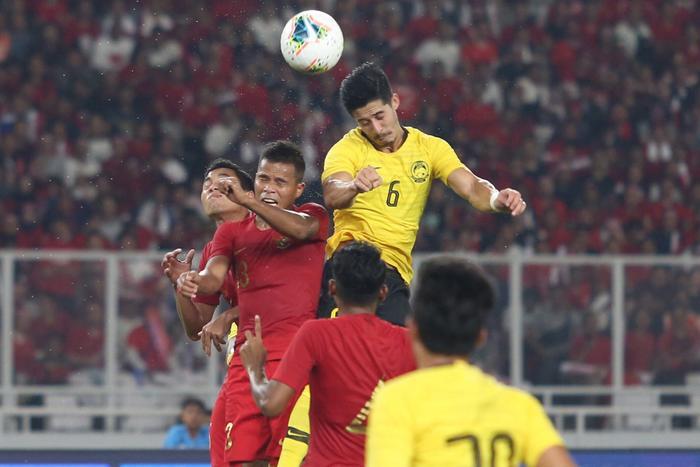 Malaysia thắng dễ ĐT Indonesia trên sân nhà.