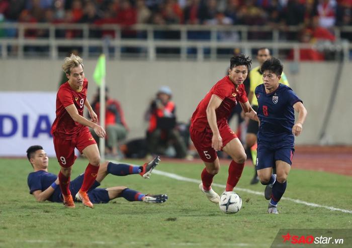 Đoàn Văn Hậu đã chơi rất trong hiệp 2, qua đó có tình huống cứu thua mười mươi cho tuyển Việt Nam.