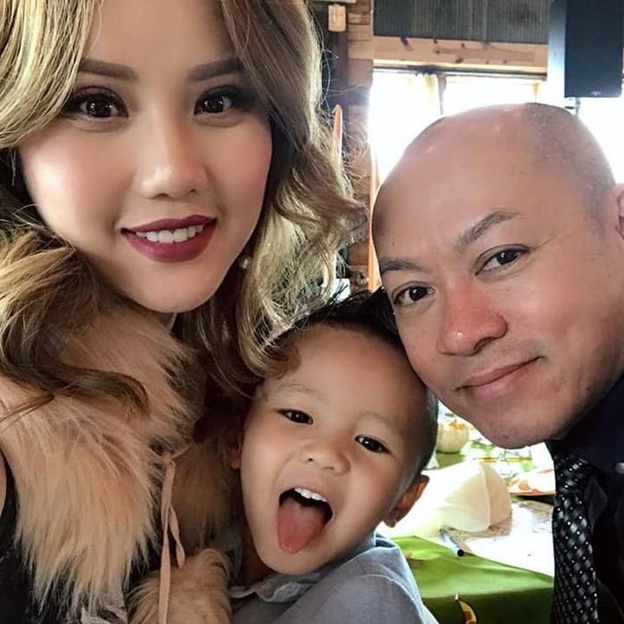 Hiện tại cô cùng ông xã và con trai định cư tại Mỹ