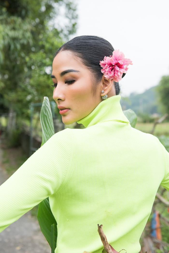 Có một Hoàng Thùy chân phương, từ làng quê Thanh Hóa đến Mỹ chinh phục Miss Universe 2019 ảnh 10