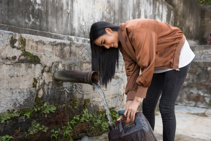 Có một Hoàng Thùy chân phương, từ làng quê Thanh Hóa đến Mỹ chinh phục Miss Universe 2019 ảnh 3