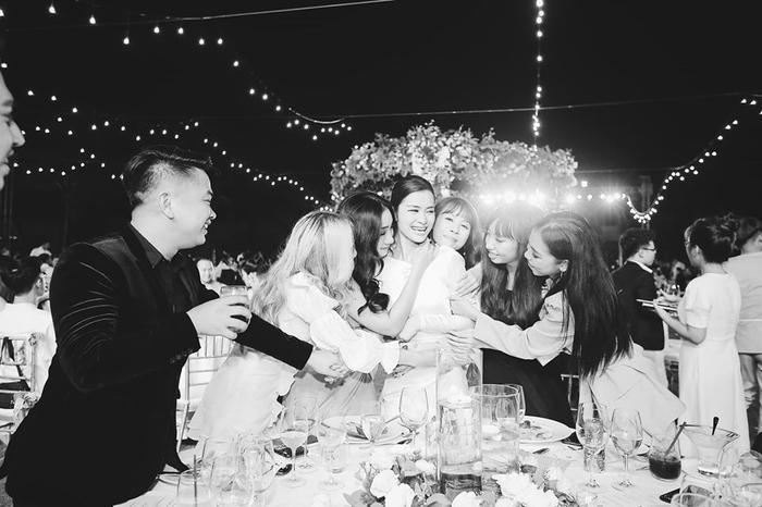 Những khoảnh khắc đáng nhớ đám cưới Đông Nhi  Ông Cao Thắng: Khi cả khách mời lẫn nhân vật chính đều khóc rồi cười ảnh 15