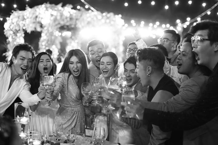 Những khoảnh khắc đáng nhớ đám cưới Đông Nhi  Ông Cao Thắng: Khi cả khách mời lẫn nhân vật chính đều khóc rồi cười ảnh 0
