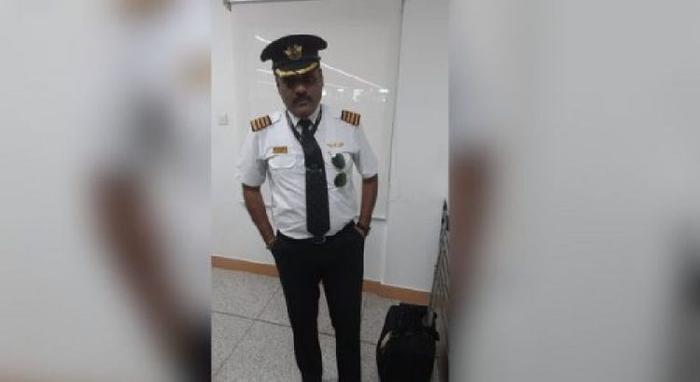Người đàn ông giả làm phi công lên máy bay trót lọt nhiều lần.