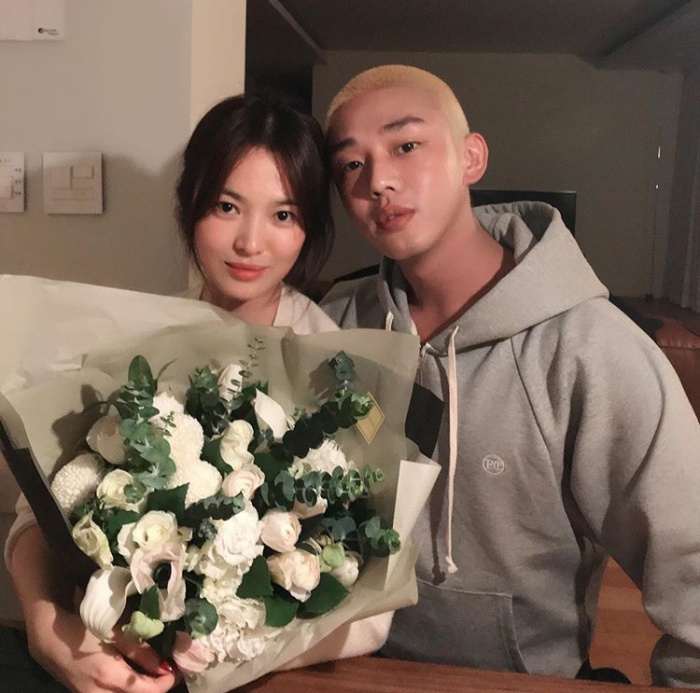Song Hye Kyo has a birthday party with Yoo Ah In
