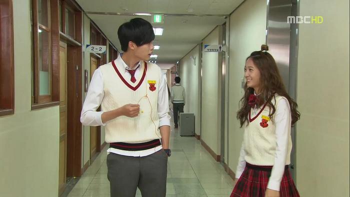 Danh sách phim mà Lee Jong Suk mặc đồng phục học sinh: Vai nào cũng đẹp! ảnh 2