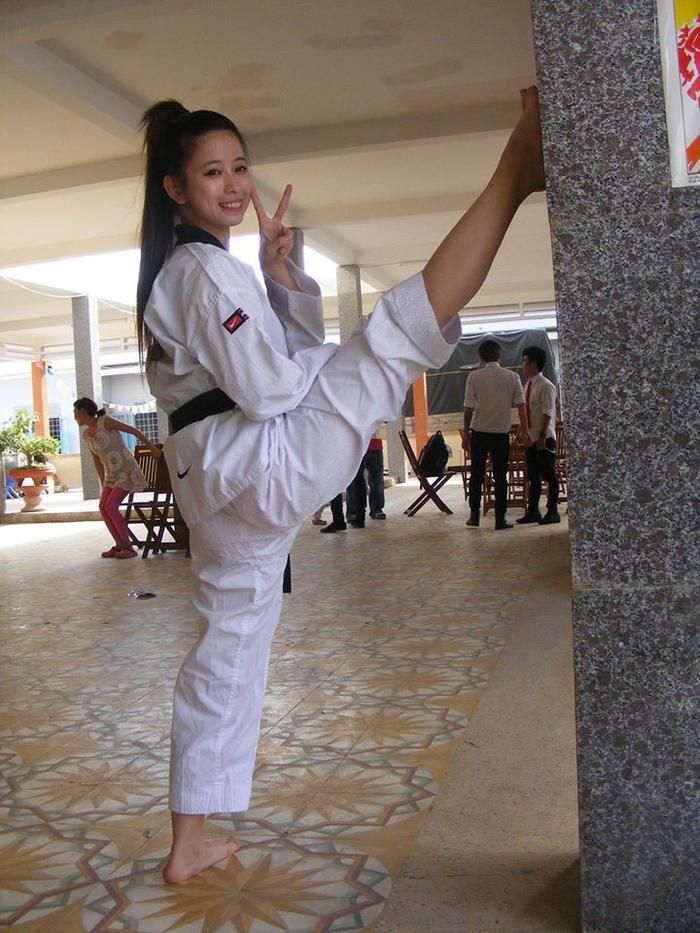 Cô nàng giành liên tiếp 3 huy chương vàng Taekwondo các kỳ SEA Games 27,28,29.
