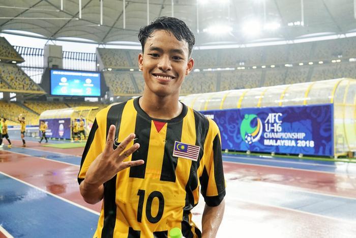 Theo bản tin thể thao hôm nay, Thần đồng Hakim được báo giới Malaysia đặt rất nhiều kỳ vọng.