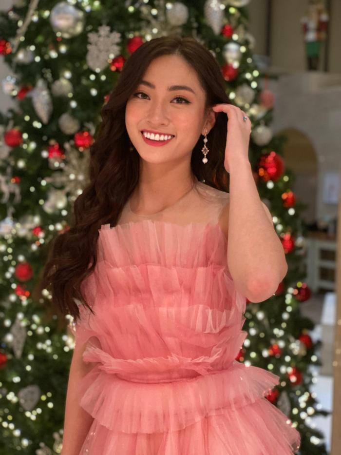 Lương Thùy Linh ghi điểm với váy hồng công chúa, hát hit A Million Dreams phần thi Tài năng  Miss World 2019 ảnh 0