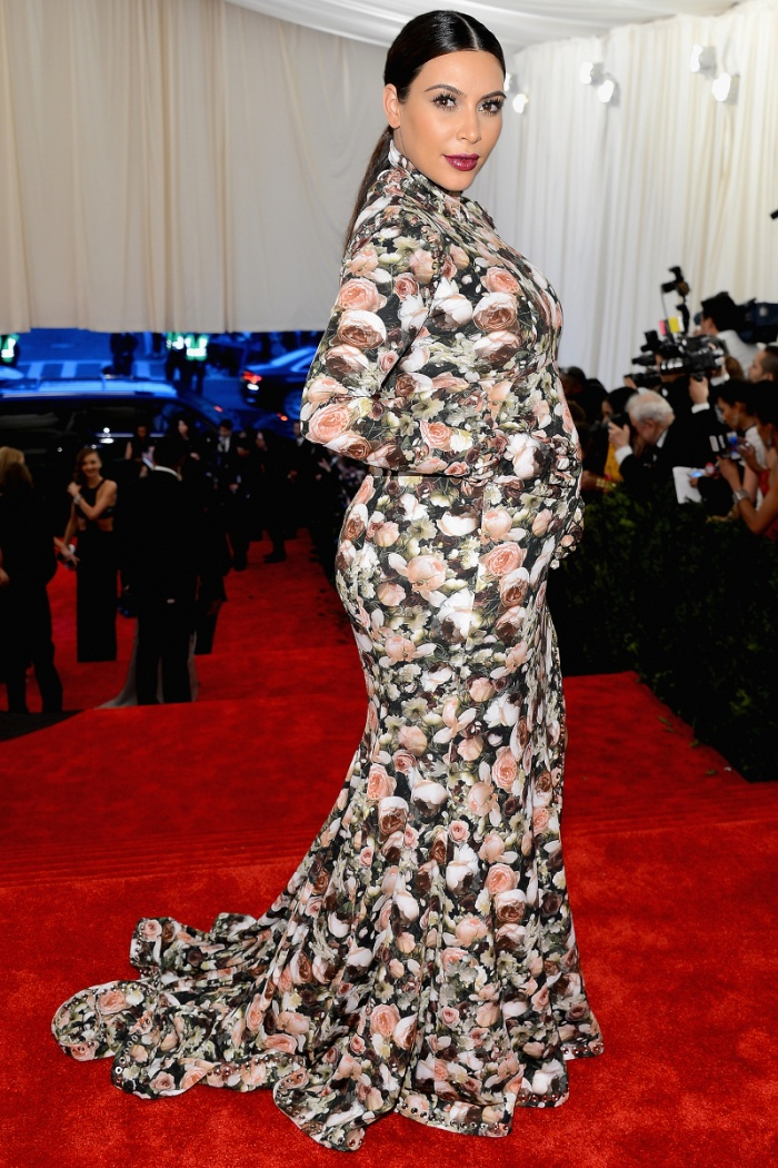 'Cứng' như Kim Kardashian cũng có lúc khóc hết nước mắt khi tham dự Met Gala 2013 ảnh 6