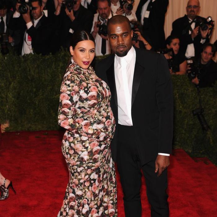 'Cứng' như Kim Kardashian cũng có lúc khóc hết nước mắt khi tham dự Met Gala 2013 ảnh 2