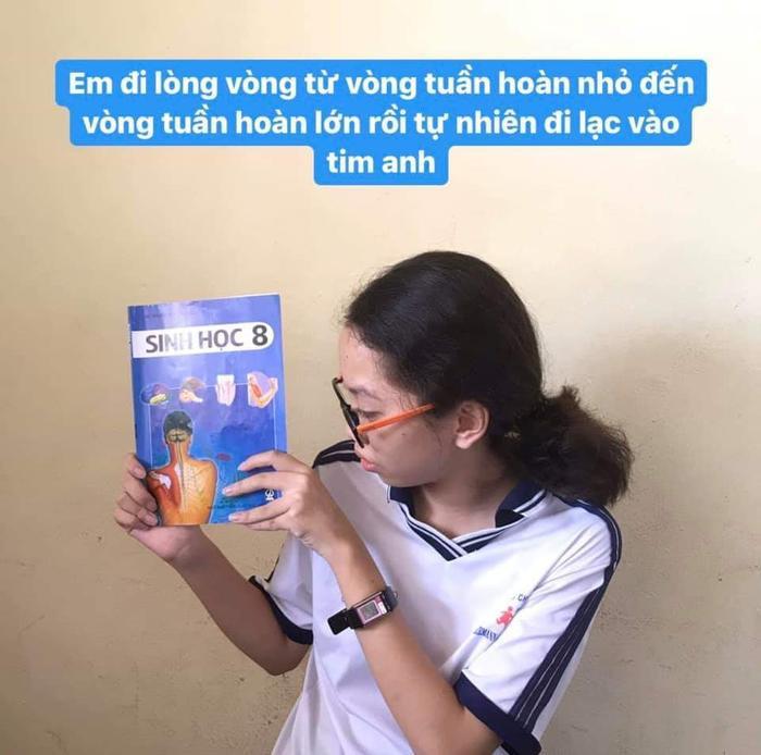 Học sinh lớp 8 'thả thính' cực chất khiến CĐM thích thú: 'Áp suất dưới biển quá nặng, nhưng không nặng bằng tình yêu em dành cho anh'