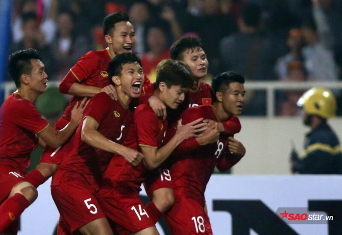 U22 Việt Nam đã có bàn gỡ trong hiệp 2 sau cú đánh đầu ngược đẳng cấp của Thành Chung.