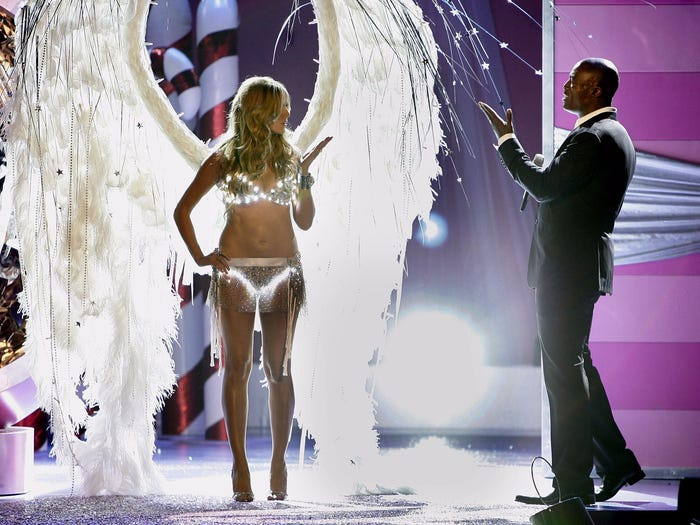 Hành trình 23 năm từ nhãn hàng vô danh thành gã khổng lồ trong làng nội y của Victoria's Secret