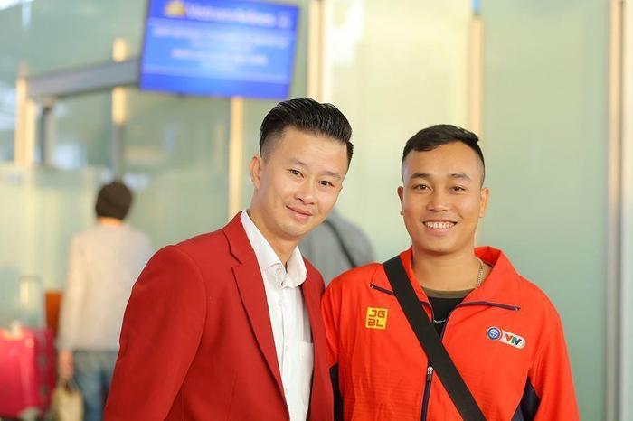 HLV Trương Minh Sang của đội tuyển TDDC (trái).(Ảnh: Vietnamnet)