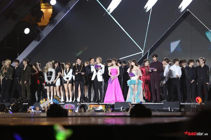 Asia Artist Awards 2019: Niềm tự hào hay thảm họa trao giải âm nhạc tại Việt Nam? ảnh 29