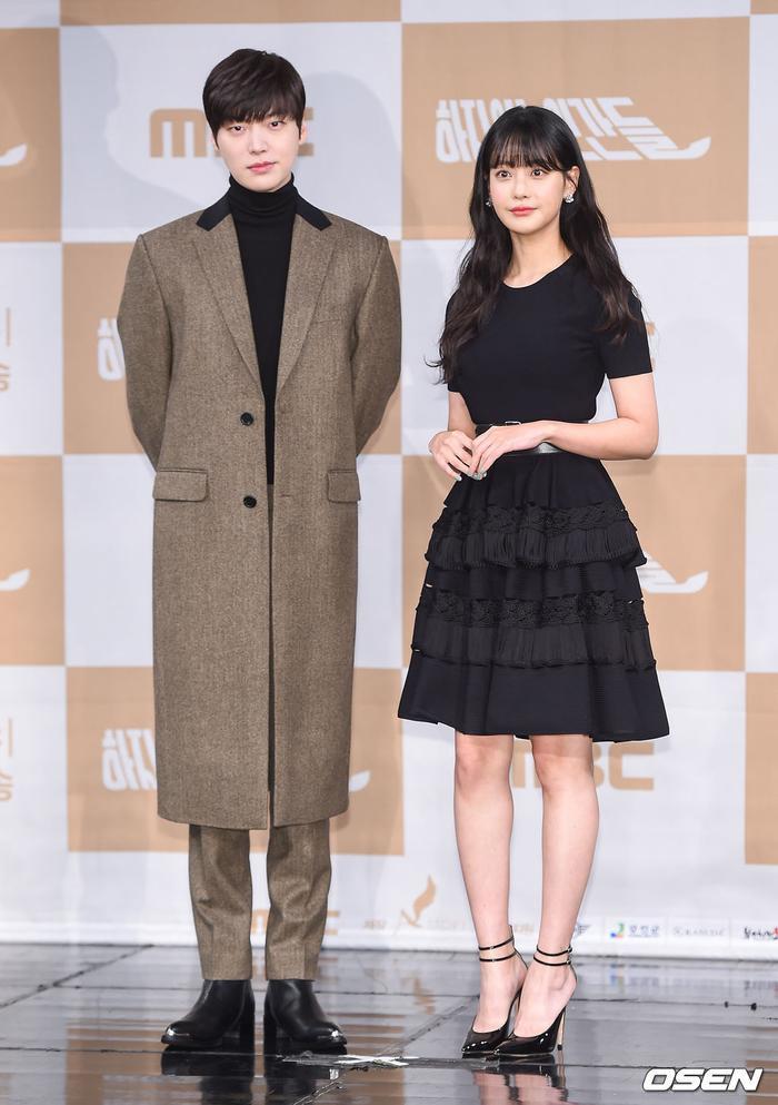 Họp báo Love With Flaws: Ahn Jae Hyun đẹp đôi bên Oh Yeon Seo, xin lỗi về vụ ly hôn với Goo Hye Sun ảnh 4