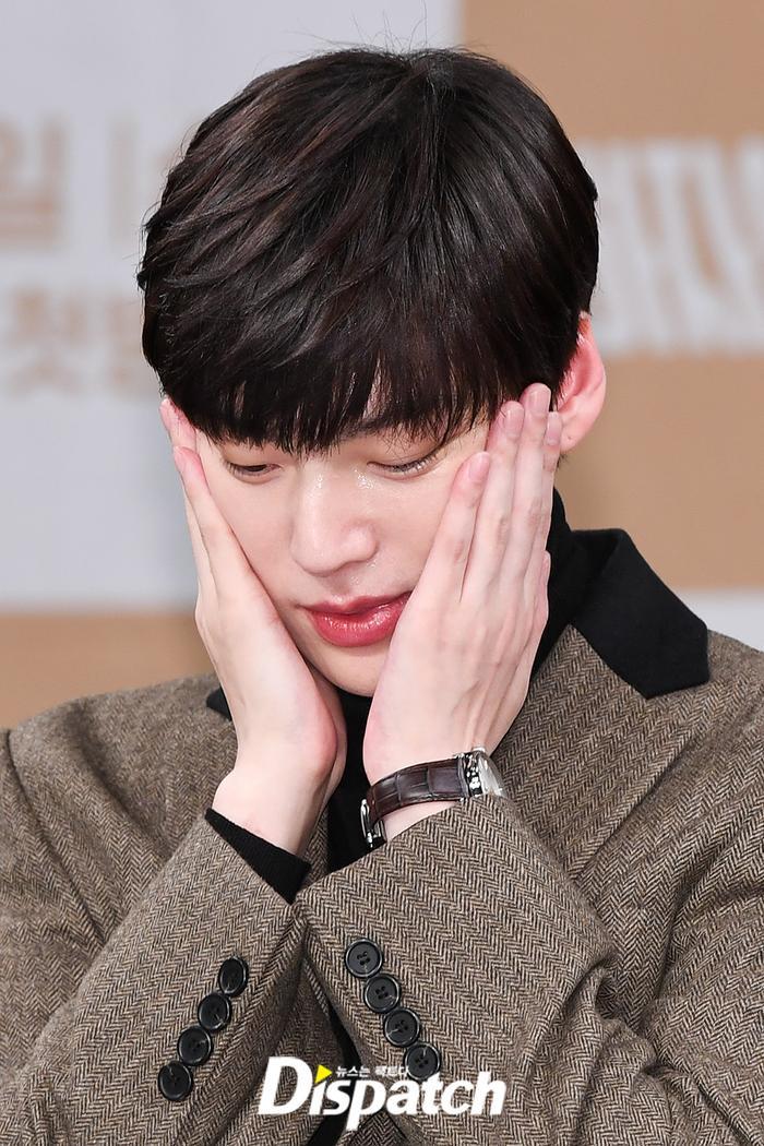 Họp báo Love With Flaws: Ahn Jae Hyun đẹp đôi bên Oh Yeon Seo, xin lỗi về vụ ly hôn với Goo Hye Sun ảnh 13