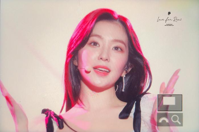 Và một Irene hết mình trên sân khấu…
